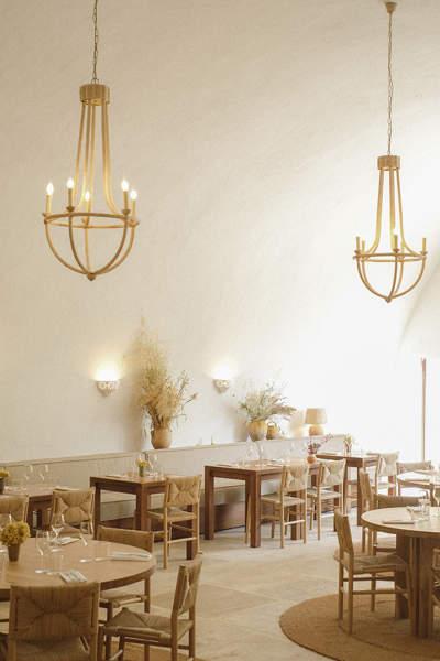 jaune-architectes-hotel-restaurant-provence-luberon-moulin-beaumier-lourmarin