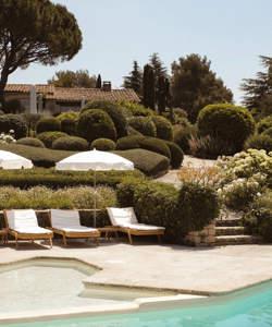 heated-pool-garden-provence-luberon-capelongue-beaumier-bonnieux