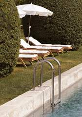 garden-swimming-pool-provence-hotel-design-luberon-capelongue-beaumier-bonnieux