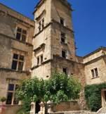 chateau-lourmarin-village-provence-beaumier-luberon