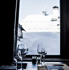 restaurant-view-catering-service-hotel-les-3-trois-vallees-beaumier-courchevel-1850