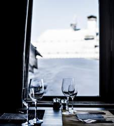 restaurant-vue-restauration-service-hotel-les-3-trois-vallees-beaumier-courchevel-1850