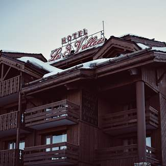chalet-alps-winter-resort-mountain-hotel-les-3-trois-vallees-beaumier-courchevel-1850