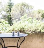 chambre-hotel-terrasse-cafe-capelongue-luberon-beaumier-bonnieux