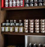 epicerie-produits-locaux-nourriture-boutique-hotel-les-3-trois-vallees-beaumier-courchevel-1850