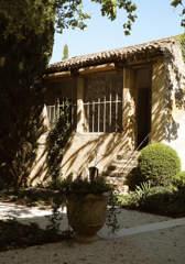 villa-bastide-quaint-garden-luberon-provence-galinier-beaumier-lourmarin